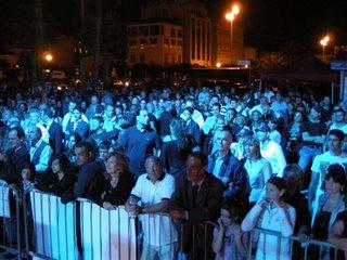 Folla alla Notte Blu