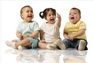 bambini che piangono